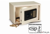 Electronic safe with keypad